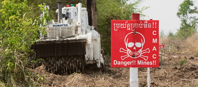 Komatsu has supported the clearing of about 1,400 landmines spread across more than 1,700 hectares of land in western Cambodia.