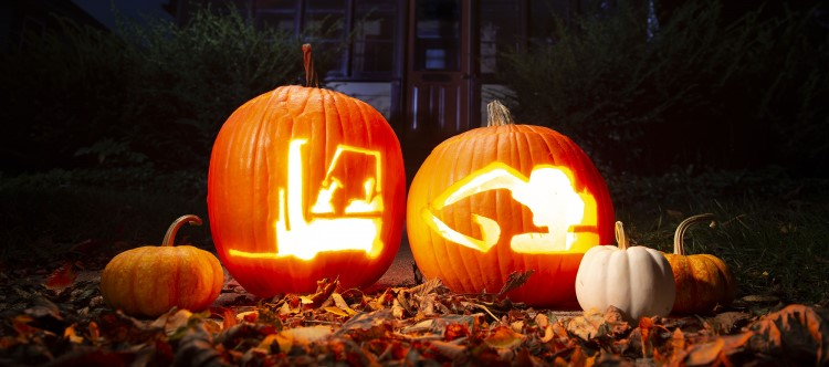 Komatsu pumpkin carving templates