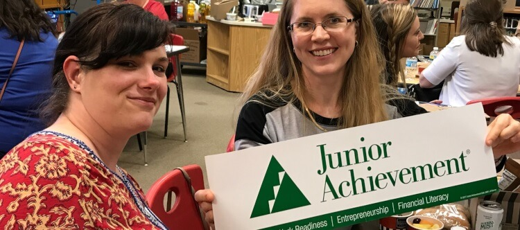 Komatsu volunteers at Junior Achievement