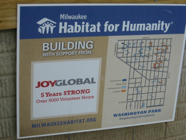 Joy Global, Community relations, Employees further progress on Habitat homes - 2