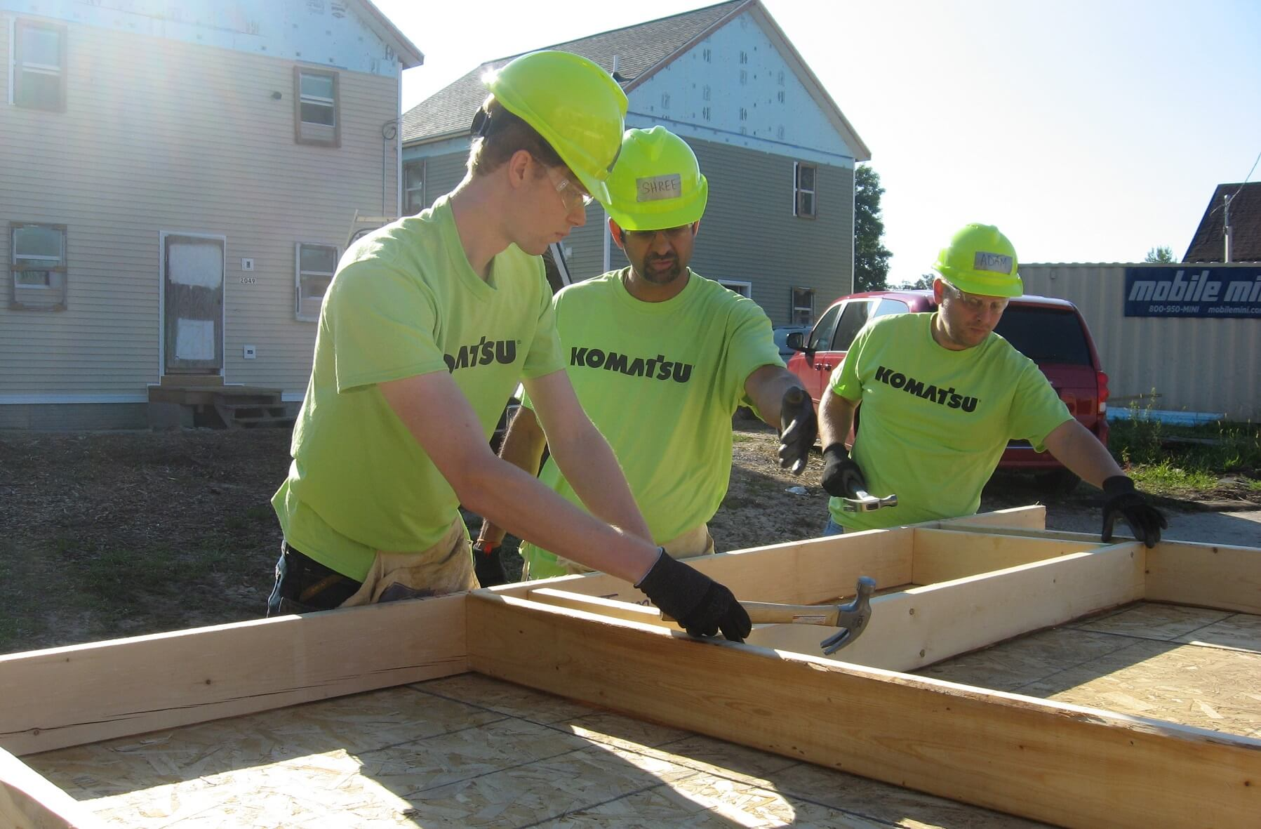 Komatsu Mining Corp. Employees Build Homes for Habitat for Humanity in Midtown Milwaukee